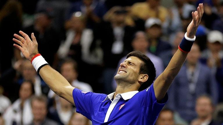 Novak Djokovic från Serbien vann över Roger Federer, Schweiz, i US Open, 13 september. Foto: David Goldman/TT.