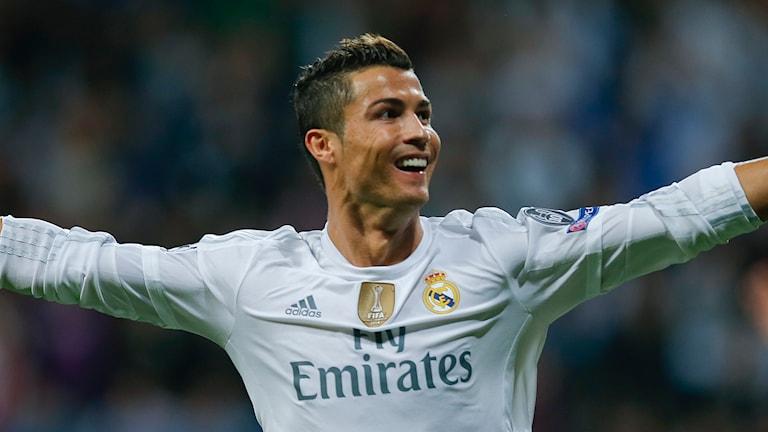 Ronaldo gjorde tre av mål när Real Madrid besegrade Sjachtar Donetsk i CL. Foto: AP
