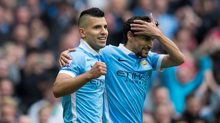 Sergio Agüero jublar efter mål mot Newcastle