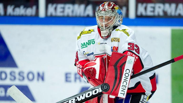 Julius Hudacek räddade extrapoängen för Örebro. Foto: Björn Lindgren/TT
