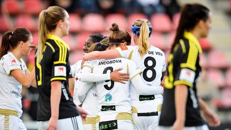 Rosengård firar 2-0-målet mot AIK