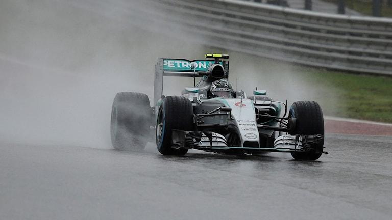 Nico Rosberg var snabbast på den blöta banan i Austin. Foto: AP Photo/Eric Gay/TT
