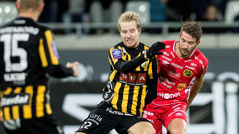 Häckens Samuel Gustafsson och Elfsborgs Marcus Rohdén. Foto: Björn Larsson Rosvall/TT