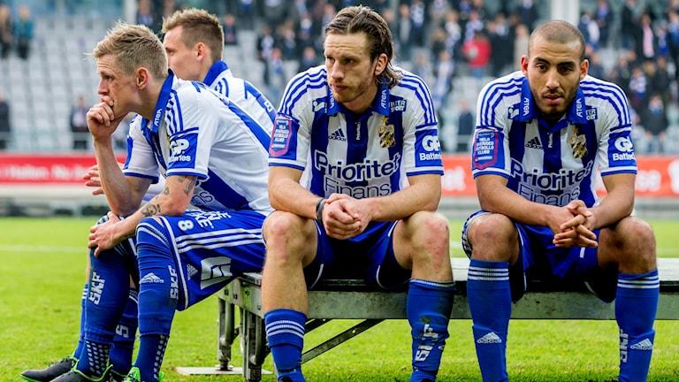 IFK Göteborgs Sören Rikes,Gustav Svensson och Haitam Aleesami deppar efter 2-2-matchen. Foto: Adam Ihse/TT