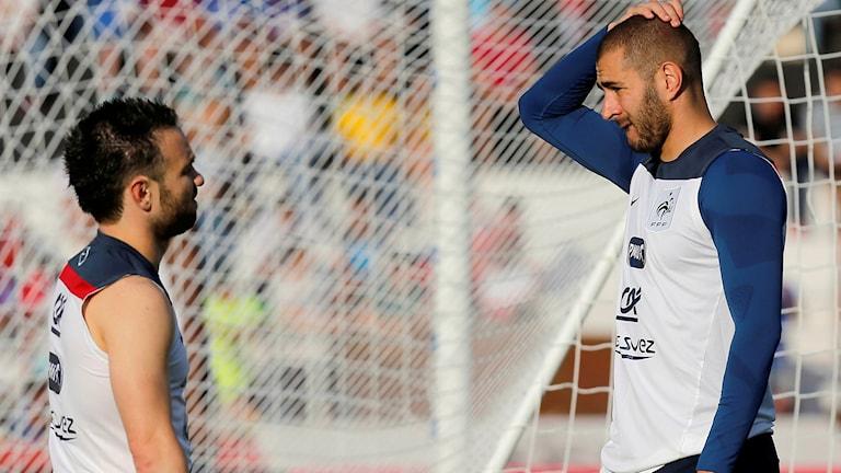 Mathieu Valbuena och Karim Benzema. Foto: TT