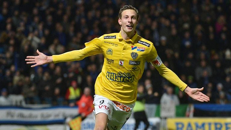 Falkenbergs Gustaf Nilsson jublar. Foto: TT Nyhetsbyrån