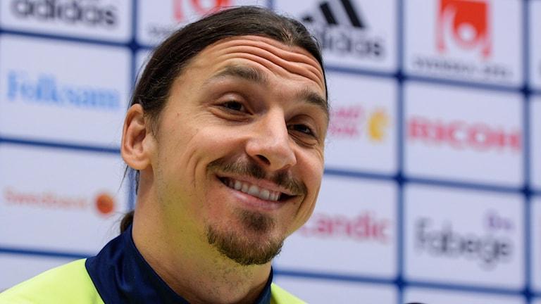 Zlatan Ibrahimovic under presskonferensen inför Danmark. Foto: TT