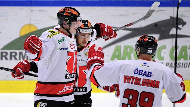 ARKIV: Jakub Krejcik uppvaktas efter mål mot Skellefteå