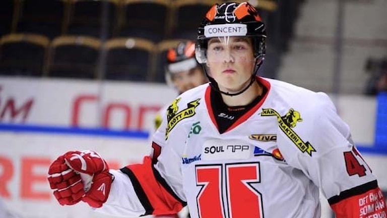 SKELLEFTEÅ 20150930 Örebros Joel Mustonen gjorde 0-1 i SHL-matchen mellan Skellefteå AIK och Örebro Hockey i Skellefteå Kraft Arena, Skellefteå. Foto: Robert Granström / TT