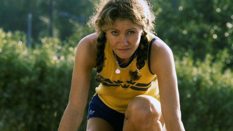 Linda Haglund poserar i startposition 1973. Foto: Bertil Ericson/TT.