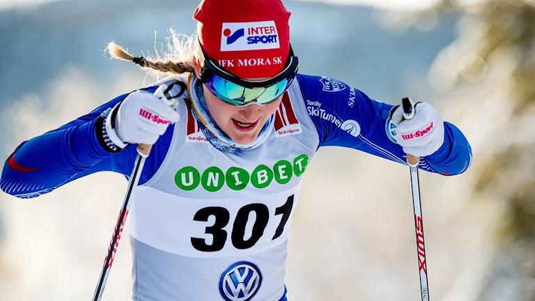 BRUKSVALLARNA 2015-11-22 Stina Nilsson under damernas sprint vid söndagens längdskidtävlingar i Bruksvallarna. Foto Ulf Palm / TT.