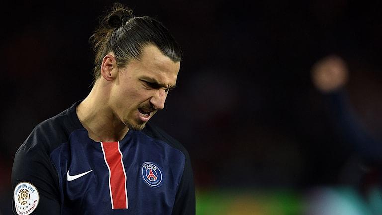 Zlatan Ibrahimovic firar straffmålet mot Troyes. Foto: AFP/TT