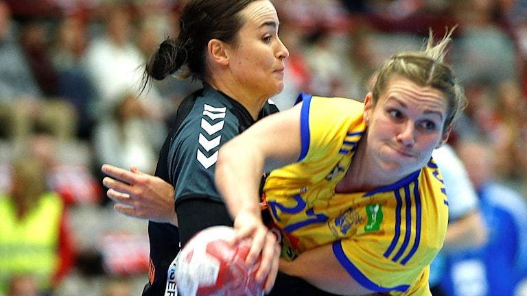 Sabina Jacobsen (t.h.) Foto: Vidar Ruud/TT.