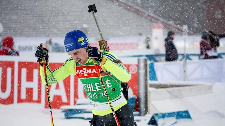 ÖSTERSUND 20151204 Jesper Nelin när svenska herrlaget hade träning på fredagen under världscupspremiären i skidskytte i Östersund. Foto: Christine Olsson / TT