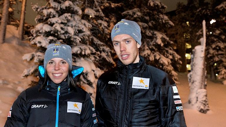 KUUSAMO 2013-11-28 Charlotte Kalla och Marcus Hellner dagen innan världscuppremiären i finska Kuusamo. Foto Anders Wiklund / TT