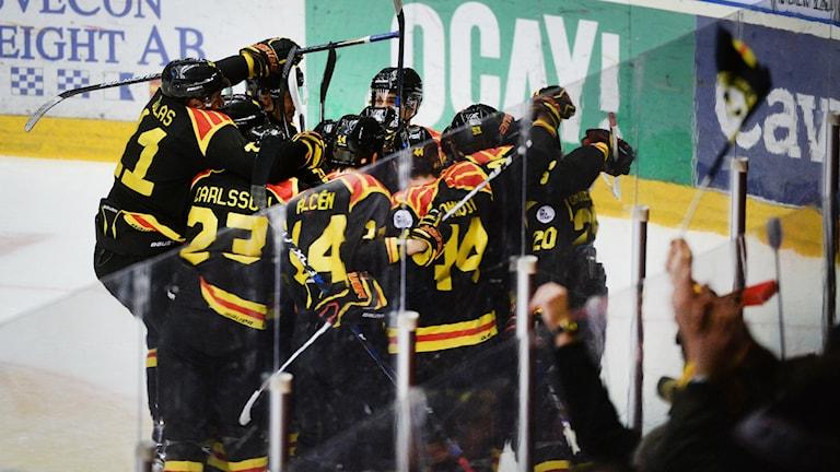 Brynäs firar segermålet mot Rögle