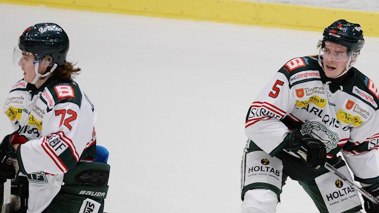 Tingsryds Hannes Johansson och Niklas Enberg. Foto: Jessica Gow/TT.