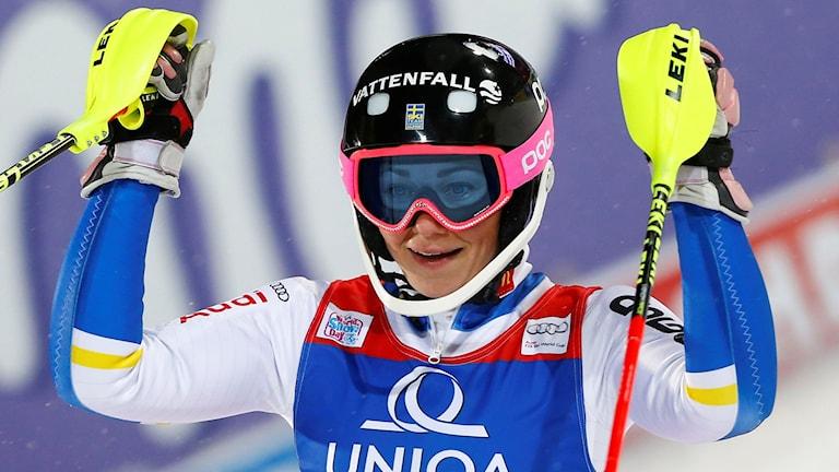Frida Hansdotter efter det andra åket i Flachaus slalom