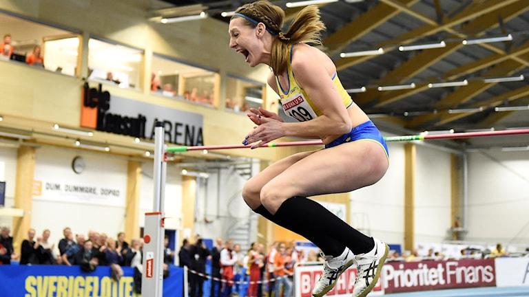 Sofie Skoog jublar efter sitt hopp på 1,94. Foto: Mikael Fritzon/TT