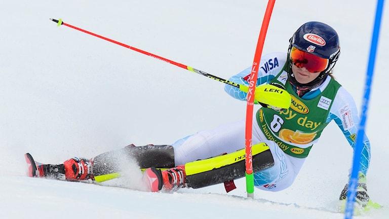 20160216 Mikaela Shiffrin i Crans Montanas slalomtävling. Foto: Jean-Christophe Bott/TT