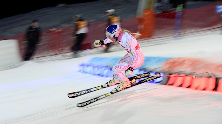 20160223 Lindsey Vonn i aktion i Hammarbybacken, Stockholm. Foto: Pontus Lundahl/AP photo