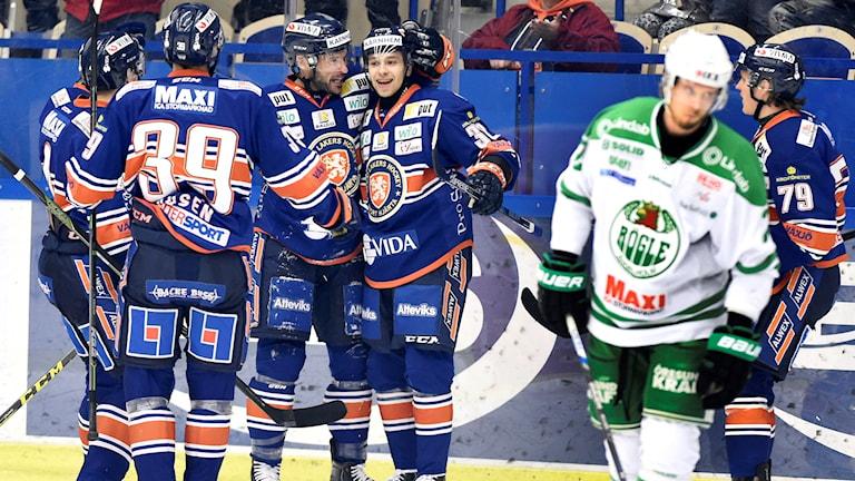 20160227 Växjö jublar efter mål mot Rögle. Foto: Mikael Fritzon/TT