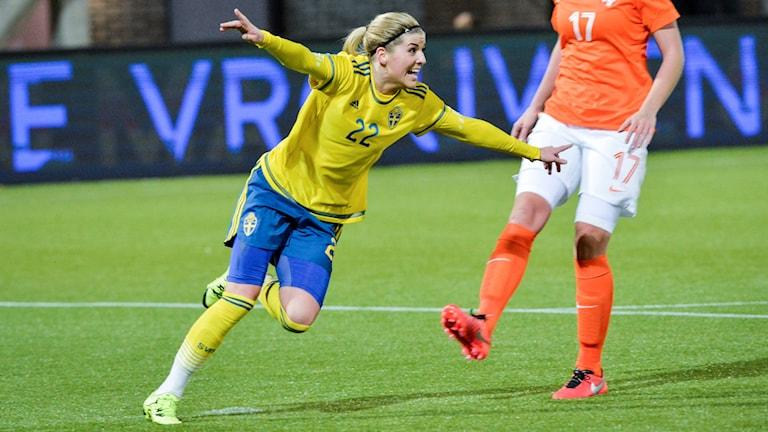 Olivia Schough satte 1-1 till Sverige.