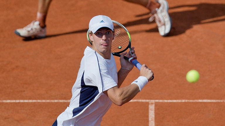 Isak Arvidsson under en dubbelmatch 2014