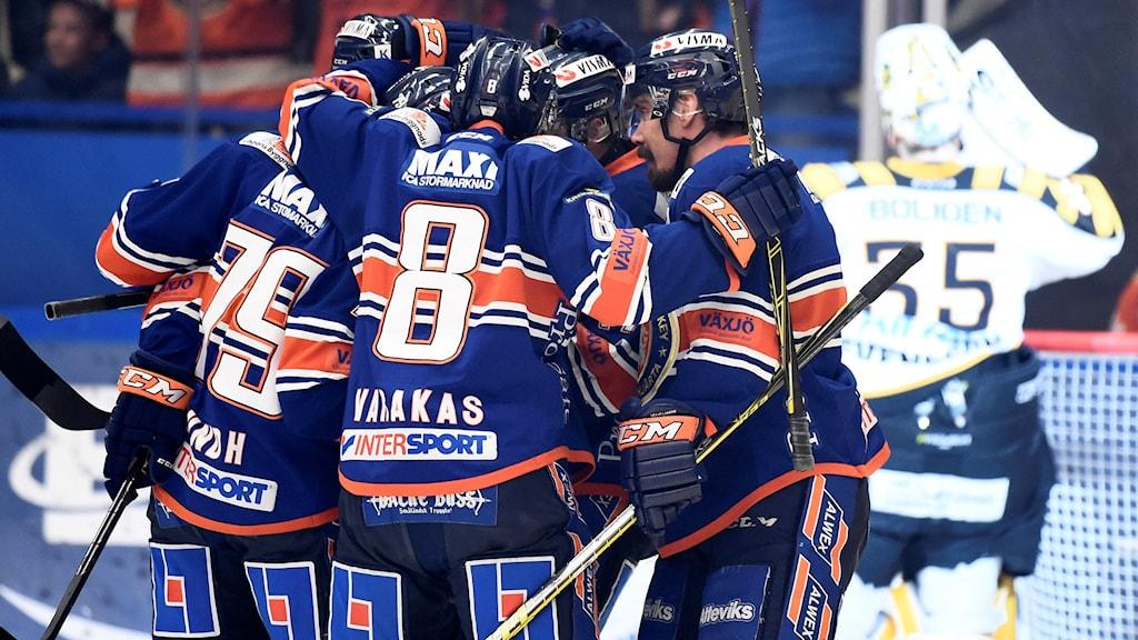 Växjöjubel efter 1-0 av Patrik Lundh