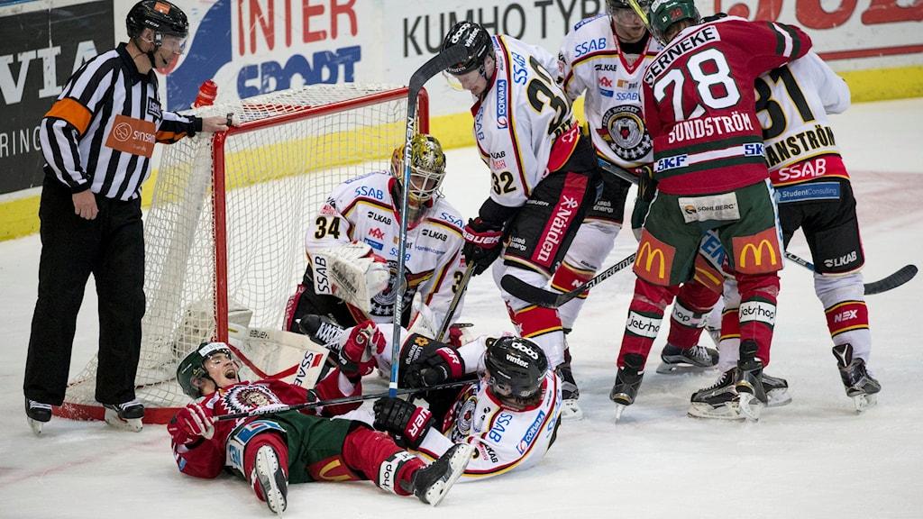 Kamp framför Luleås mål i den första semifinalen