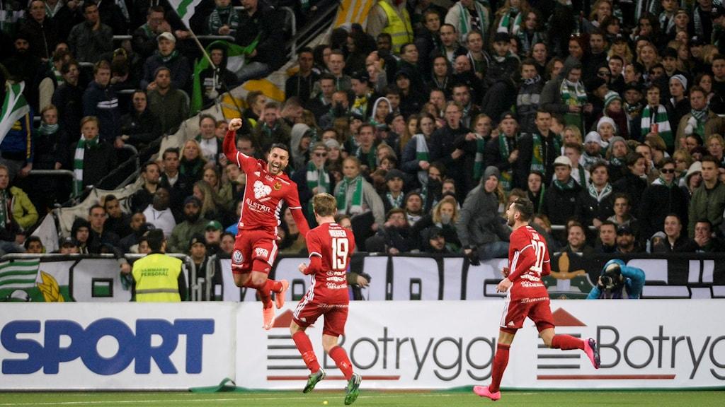 Saman Ghoddos i Östersund firar 1-1-målet mot Hammarby