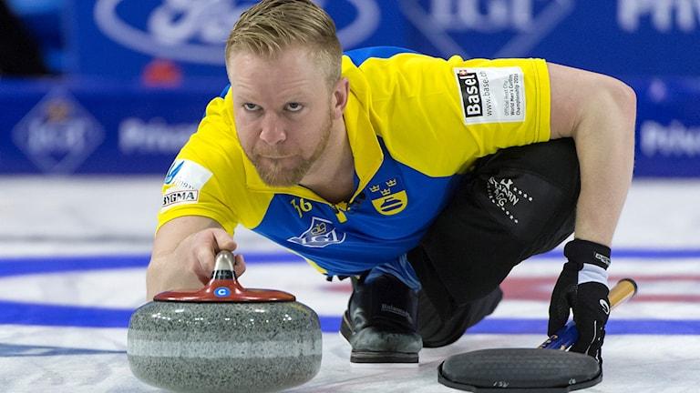 Niklas Edin under VM i Schweiz