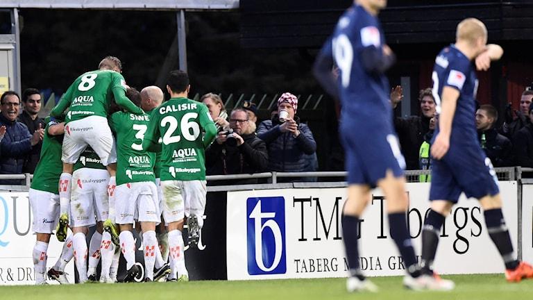 Jönköpings Södra jublar efter 3-1-målet mot MFF.