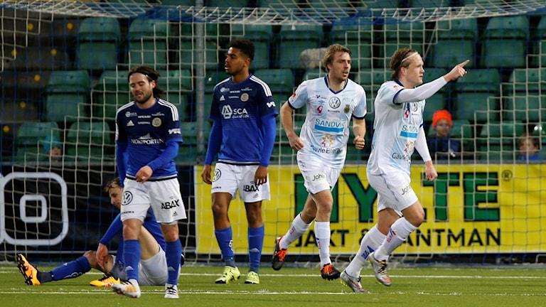 Anders Bååth gör mål för Gefle.
