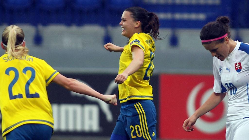 Emilia Appelqvist firar sitt mål