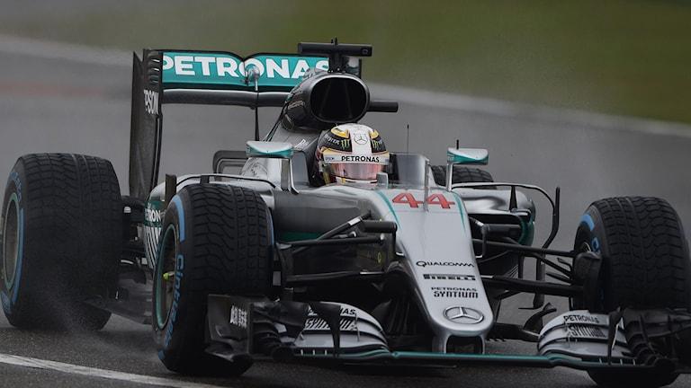 Lewis Hamilton i sin Mercedes.