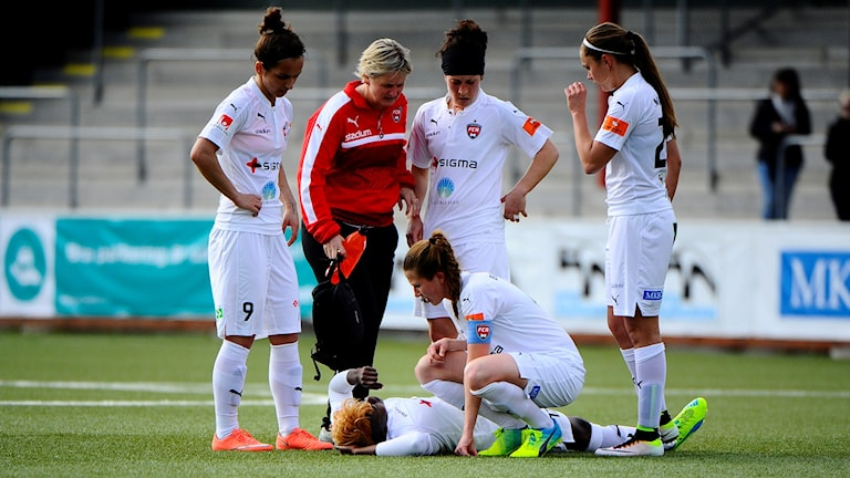 Gaëlle Enganamouit skadade sig i matchen mot Kristianstad.