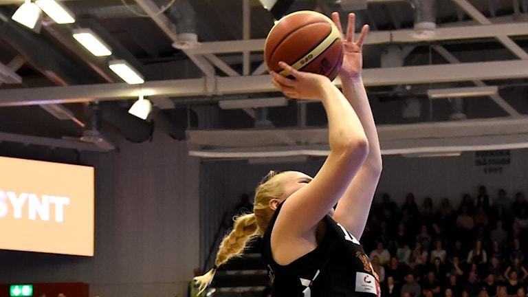 Allis Nyström.
