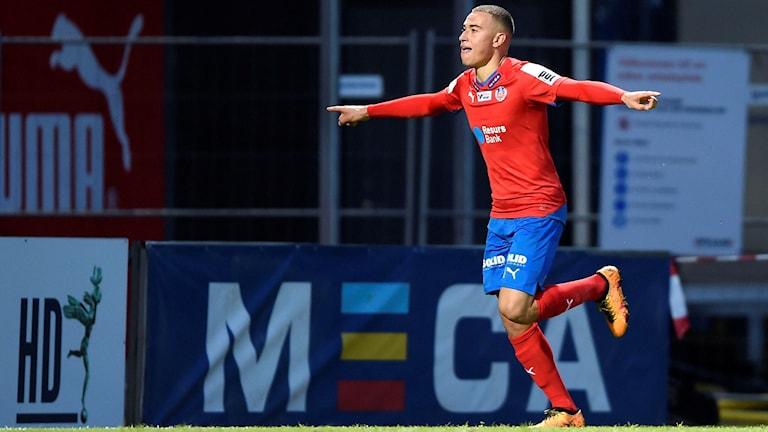 Jordan Larsson jublar efter 2-1-målet mot AIK