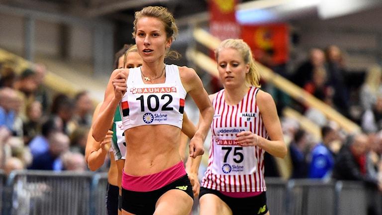 Sarah Lahti i damernas 3000 m final under inomhus-SM.
