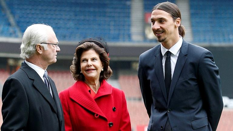 Zlatan Ibrahimovic träffade svenska kungen och drottningen i Paris 2014.