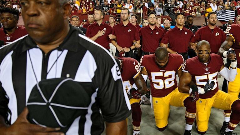 Spelare protesterar i NFL.