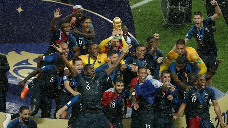 Frankrike firar.