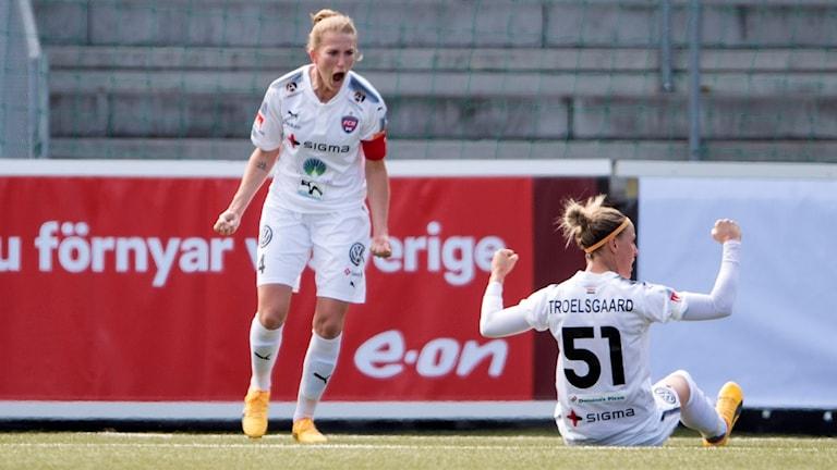 Emma Berglund och Troelsgaard jublar efter 1-0 under söndagseftermiddagens match i damallsvenskan mellan Rosengård och Göteborg