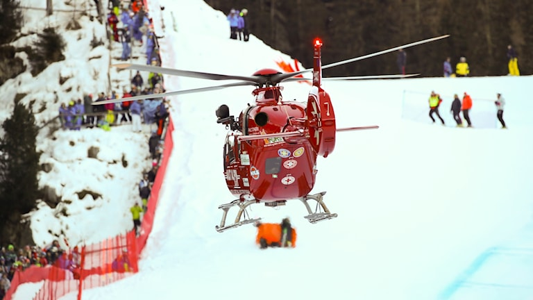 Marc Gisin fick hämtas med helikopter.