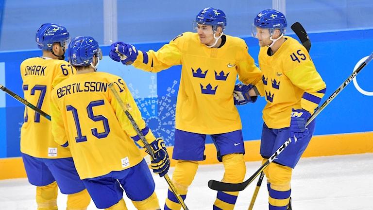 Pär Lindholm förste målskytt i OS-premiären mot Norge.