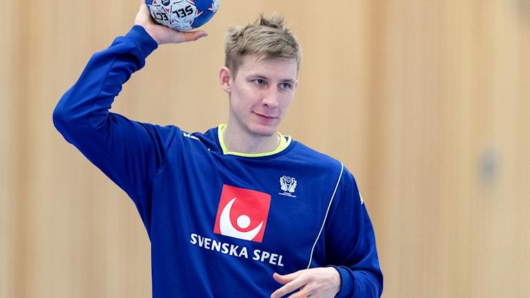 Linus Arnesson gör sitt första mästerskap på seniornivå i Kroatien.