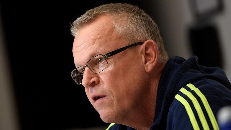 Fotbollslandslagets förbundskapten Janne Andersson vid en presskonferens på måndagen när landslaget samlats inför VM-kvalmatchen mot Italien.