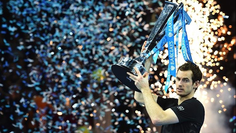 Andy Murray tog hem ATP-slutspelet i tennis.