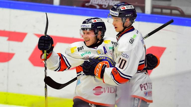 Växjös Tuomas Kiiskinen och Elias Pettersson.